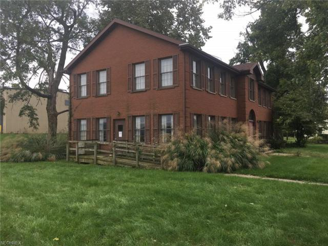 450 N 3rd St, Coshocton, OH 43812 (MLS #4044333) :: The Crockett Team, Howard Hanna