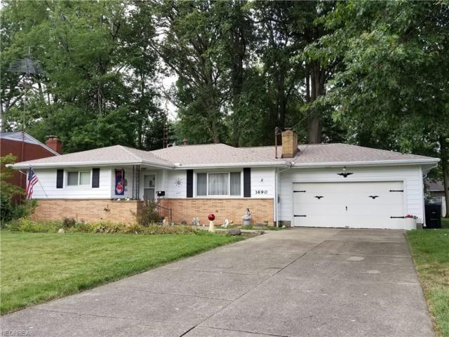 1690 Dodge Dr NW, Warren, OH 44485 (MLS #4051819) :: RE/MAX Edge Realty