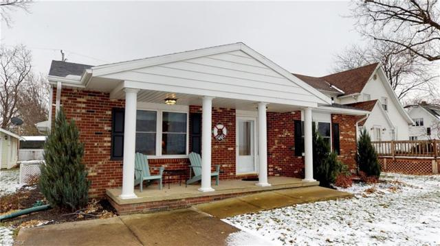 908 E Perry St, Port Clinton, OH 43452 (MLS #4056012) :: RE/MAX Edge Realty