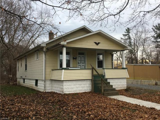231 Oak St, Uhrichsville, OH 44683 (MLS #4058894) :: RE/MAX Valley Real Estate