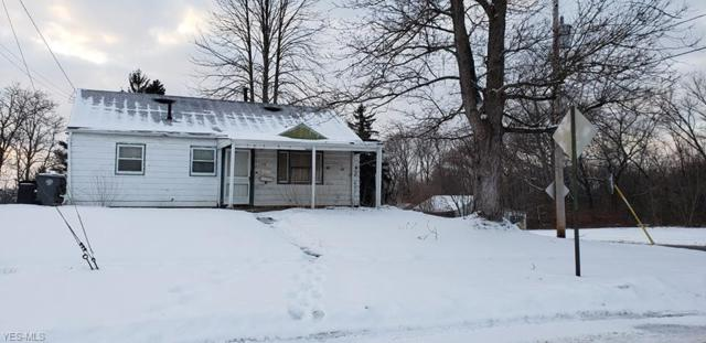 1730 Forest View Dr, Youngstown, OH 44505 (MLS #4066131) :: RE/MAX Edge Realty