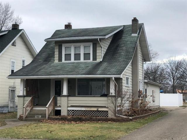 452 6th St NW, New Philadelphia, OH 44663 (MLS #4071366) :: RE/MAX Edge Realty