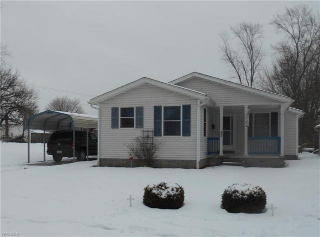 922 13th St SE, Massillon, OH 44646 (MLS #4071685) :: RE/MAX Edge Realty