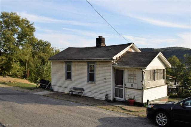 834 W 9th St, East Liverpool, OH 43920 (MLS #4076620) :: RE/MAX Edge Realty