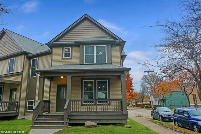2117 Robin St, Lakewood, OH 44107 (MLS #4082411) :: RE/MAX Valley Real Estate