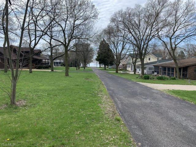 2413 Knobhill Dr, Lakeside-Marblehead, OH 43440 (MLS #4099513) :: The Crockett Team, Howard Hanna