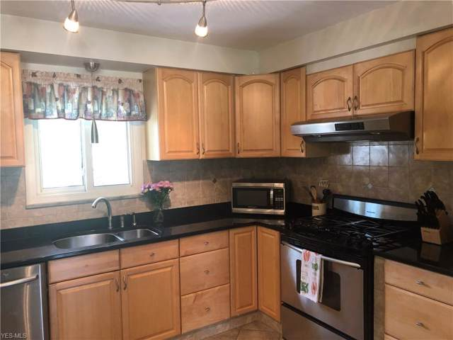 15876 Galemore Drive, Middleburg Heights, OH 44130 (MLS #4119270) :: RE/MAX Valley Real Estate