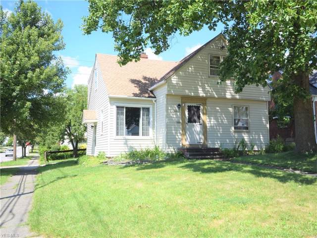 21203 Clare Avenue, Maple Heights, OH 44137 (MLS #4124042) :: Keller Williams Chervenic Realty