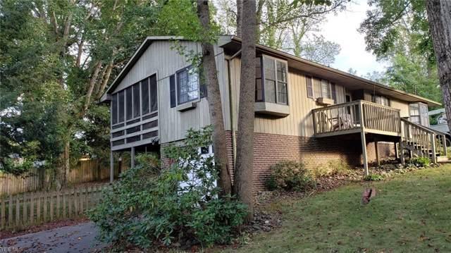 29 Fox Hill Drive, Parkersburg, WV 26104 (MLS #4129895) :: The Crockett Team, Howard Hanna