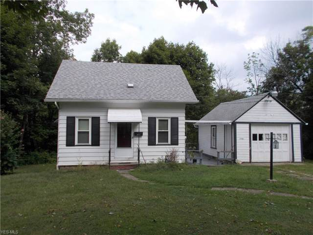 1531 W 17th Street, Ashtabula, OH 44004 (MLS #4131878) :: The Crockett Team, Howard Hanna