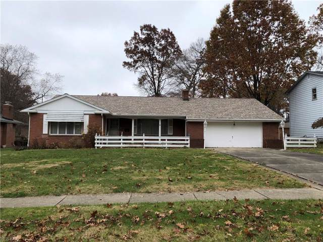 736 Maple Ridge Drive, Youngstown, OH 44512 (MLS #4149975) :: The Crockett Team, Howard Hanna