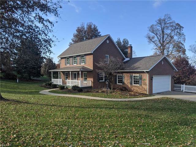 9051 Golf Course Road NW, Sugarcreek, OH 44681 (MLS #4150563) :: RE/MAX Valley Real Estate