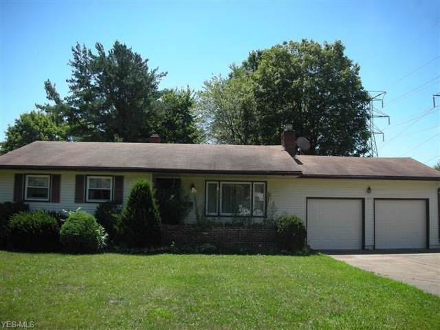 2215 Cranbrook Drive, Youngstown, OH 44511 (MLS #4154013) :: RE/MAX Valley Real Estate