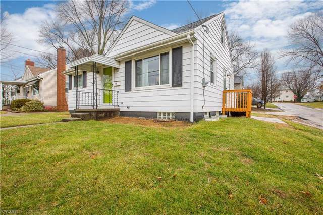 302 Lindy Lane Avenue NW, North Canton, OH 44720 (MLS #4160284) :: RE/MAX Trends Realty