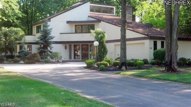 700 Greenlawn Avenue, Amherst, OH 44001 (MLS #4160982) :: RE/MAX Trends Realty