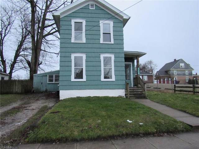 528 W 41st Street, Ashtabula, OH 44004 (MLS #4163112) :: The Crockett Team, Howard Hanna