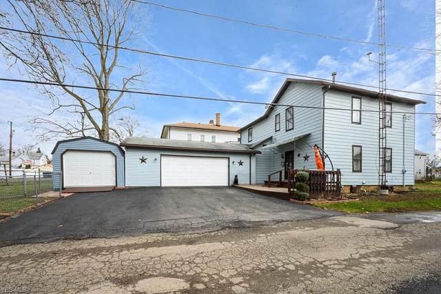 646 E 6th Street, Salem, OH 44460 (MLS #4165556) :: The Crockett Team, Howard Hanna