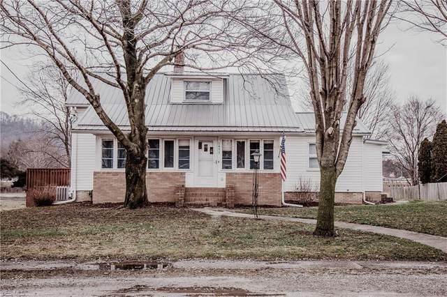 1457 Roanoke Avenue, Uhrichsville, OH 44683 (MLS #4167218) :: The Crockett Team, Howard Hanna