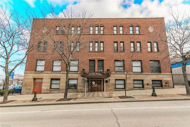 1133 W 9th Street #207, Cleveland, OH 44113 (MLS #4169129) :: The Crockett Team, Howard Hanna