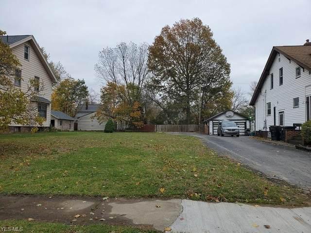 557 Woodbine Avenue SE, Warren, OH 44483 (MLS #4169649) :: The Art of Real Estate