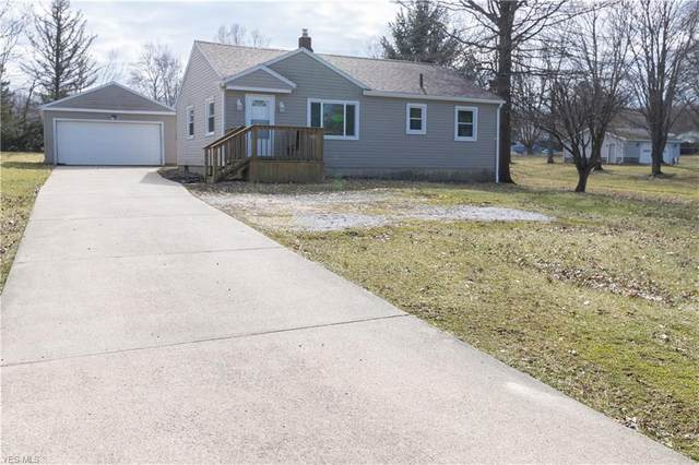 2181 Clearview Avenue NW, Warren, OH 44483 (MLS #4170189) :: RE/MAX Trends Realty