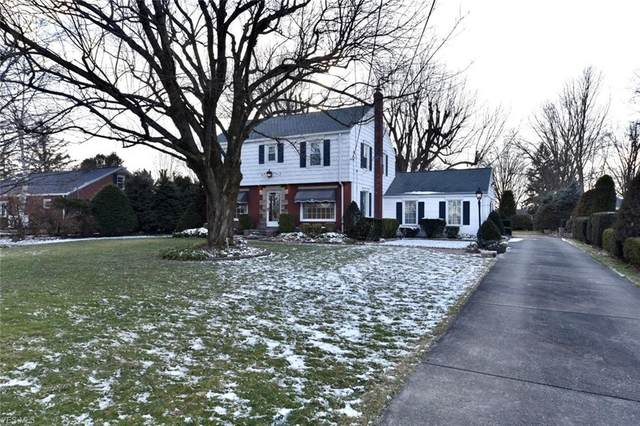 1637 N Lincoln Avenue, Salem, OH 44460 (MLS #4174582) :: The Holly Ritchie Team