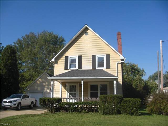 14938 Lake Street, Middlefield, OH 44062 (MLS #4187328) :: Keller Williams Chervenic Realty