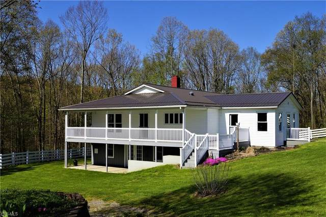 4011 Andora Road NE, Carrollton, OH 44615 (MLS #4188000) :: RE/MAX Valley Real Estate