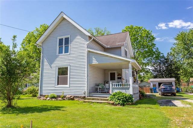 979 Chestnut Street, Grafton, OH 44044 (MLS #4191324) :: The Holly Ritchie Team