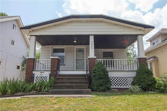3009 Hillcrest Avenue, Cleveland, OH 44109 (MLS #4191903) :: RE/MAX Trends Realty