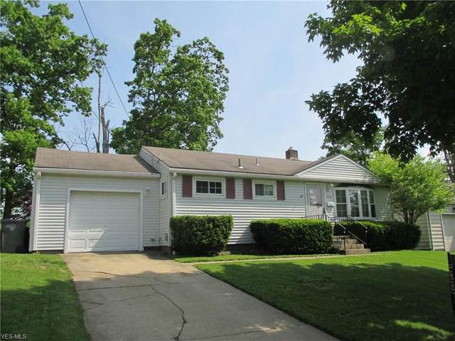 2410 Chaney Circle, Youngstown, OH 44509 (MLS #4193033) :: The Holly Ritchie Team