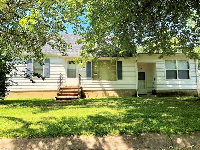 1527 New Mexico Avenue, Lorain, OH 44052 (MLS #4198314) :: The Holden Agency