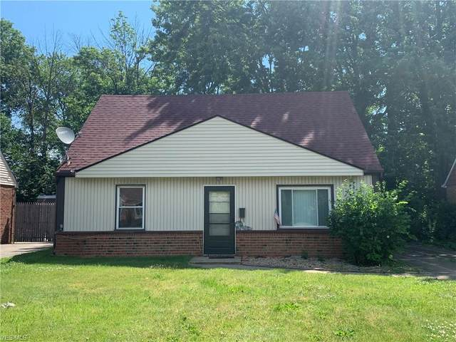 4661 W 158th Street, Cleveland, OH 44135 (MLS #4200308) :: The Holden Agency