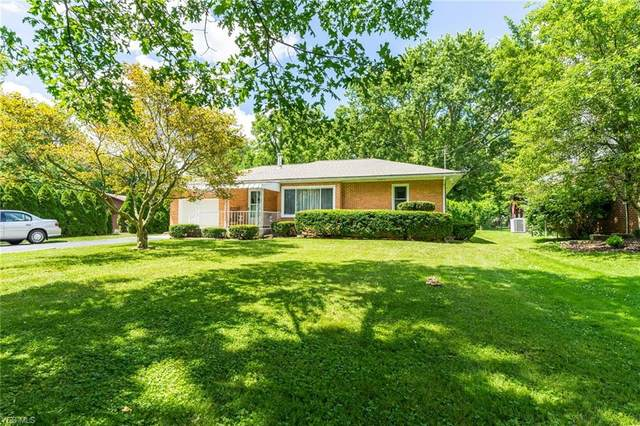 7210 Youngstown Pittsburgh Road, Poland, OH 44514 (MLS #4202001) :: The Holden Agency