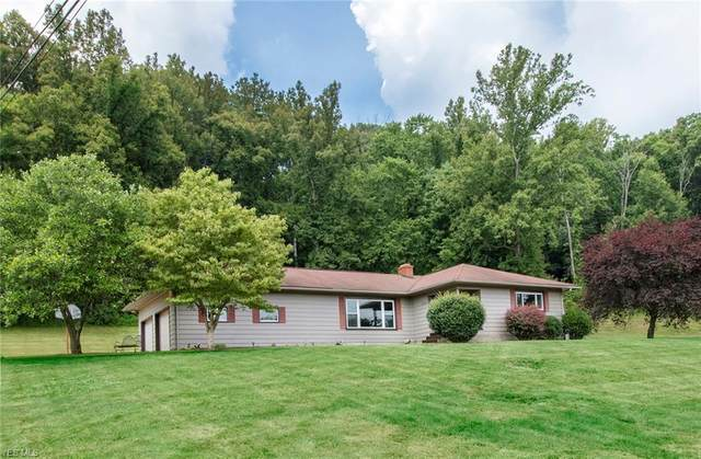 2778 Kohl Drive NE, New Philadelphia, OH 44663 (MLS #4202172) :: Keller Williams Chervenic Realty