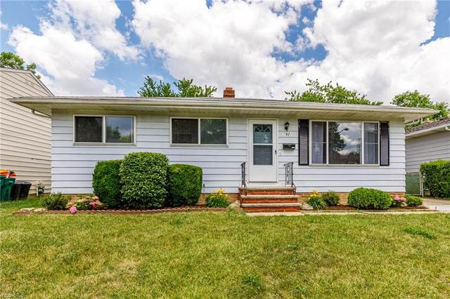 14921 Rochelle Drive, Maple Heights, OH 44137 (MLS #4202338) :: RE/MAX Trends Realty
