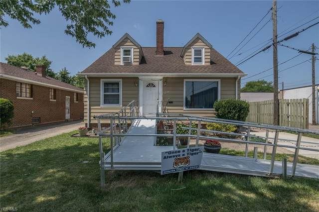 5214 W 25th Street, Parma, OH 44134 (MLS #4203274) :: The Holden Agency