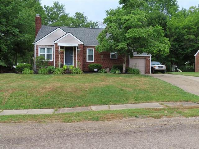 3728 Grunder Avenue NW, Canton, OH 44709 (MLS #4204647) :: The Holly Ritchie Team