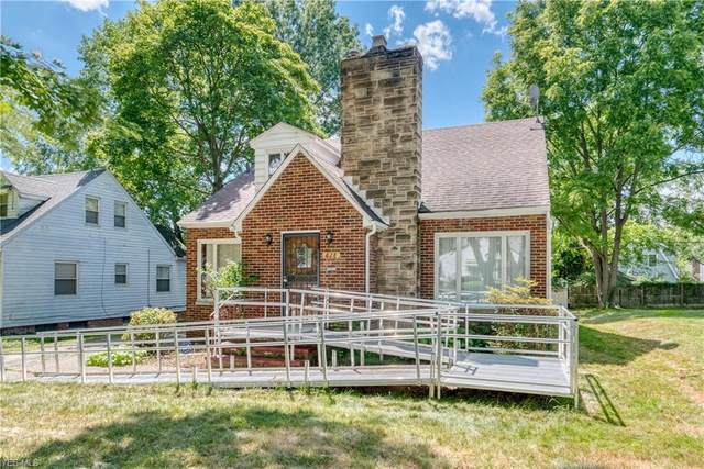 828 Roslyn Avenue, Akron, OH 44320 (MLS #4209006) :: The Jess Nader Team | RE/MAX Pathway
