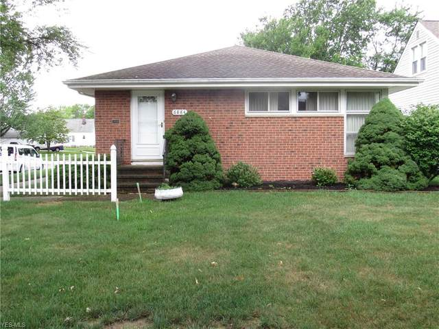 6884 Commonwealth Boulevard, Parma Heights, OH 44130 (MLS #4209981) :: Tammy Grogan and Associates at Cutler Real Estate