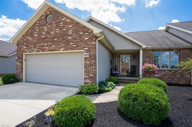 2945 Pond Lane SW, Lordstown, OH 44481 (MLS #4211247) :: The Crockett Team, Howard Hanna