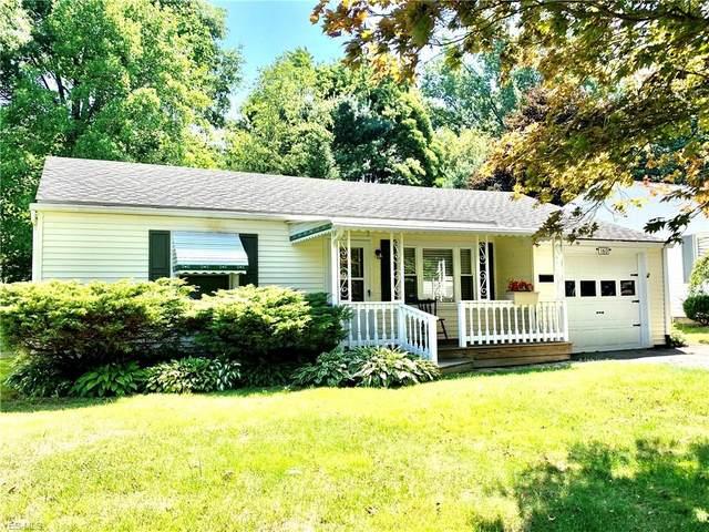 160 N Middle Street, Columbiana, OH 44408 (MLS #4213027) :: Keller Williams Chervenic Realty