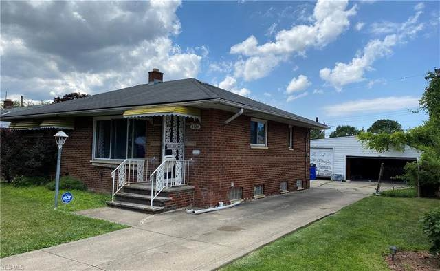 4126 E 176th Street, Cleveland, OH 44128 (MLS #4213085) :: The Art of Real Estate