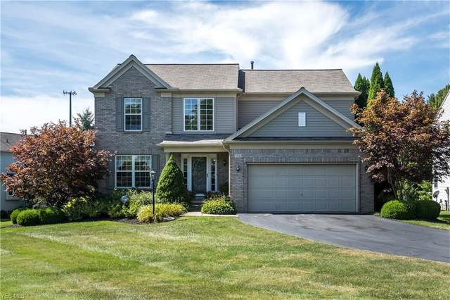 154 Chadwick Court, Chagrin Falls, OH 44023 (MLS #4217016) :: The Holden Agency