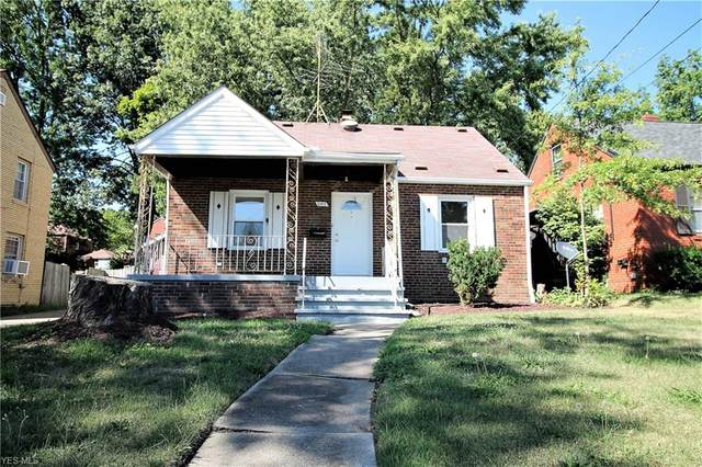 307 Robinson Avenue, Barberton, OH 44203 (MLS #4217353) :: RE/MAX Edge Realty