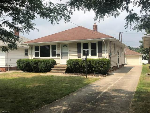 14231 James Avenue, Maple Heights, OH 44137 (MLS #4217778) :: Keller Williams Chervenic Realty