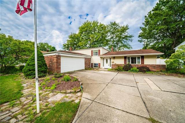 6584 Louann Drive, North Olmsted, OH 44070 (MLS #4219583) :: Keller Williams Chervenic Realty