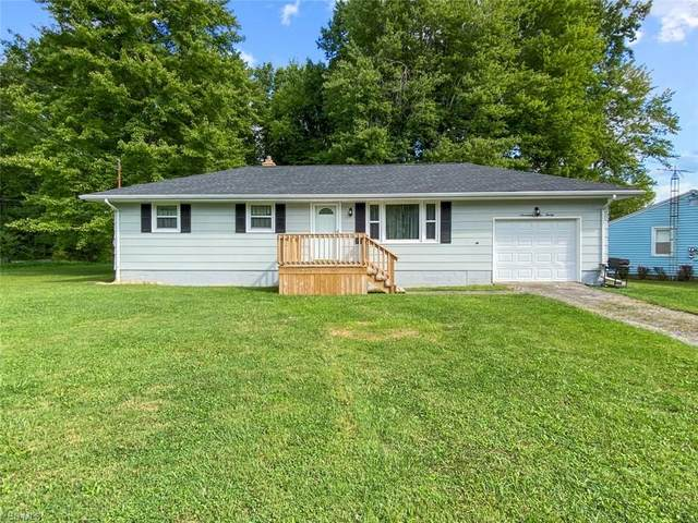 17920 Hillcrest Drive, Lake Milton, OH 44429 (MLS #4221322) :: RE/MAX Trends Realty