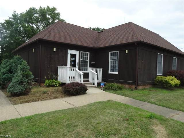 433 Center Street, Ashtabula, OH 44004 (MLS #4221563) :: The Jess Nader Team | RE/MAX Pathway