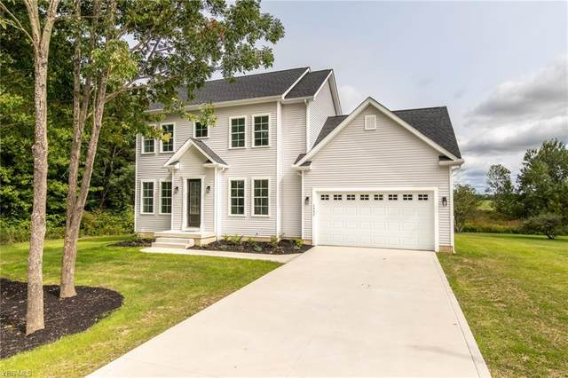 1342 Lake Vue Drive, Roaming Shores, OH 44085 (MLS #4221615) :: The Holly Ritchie Team